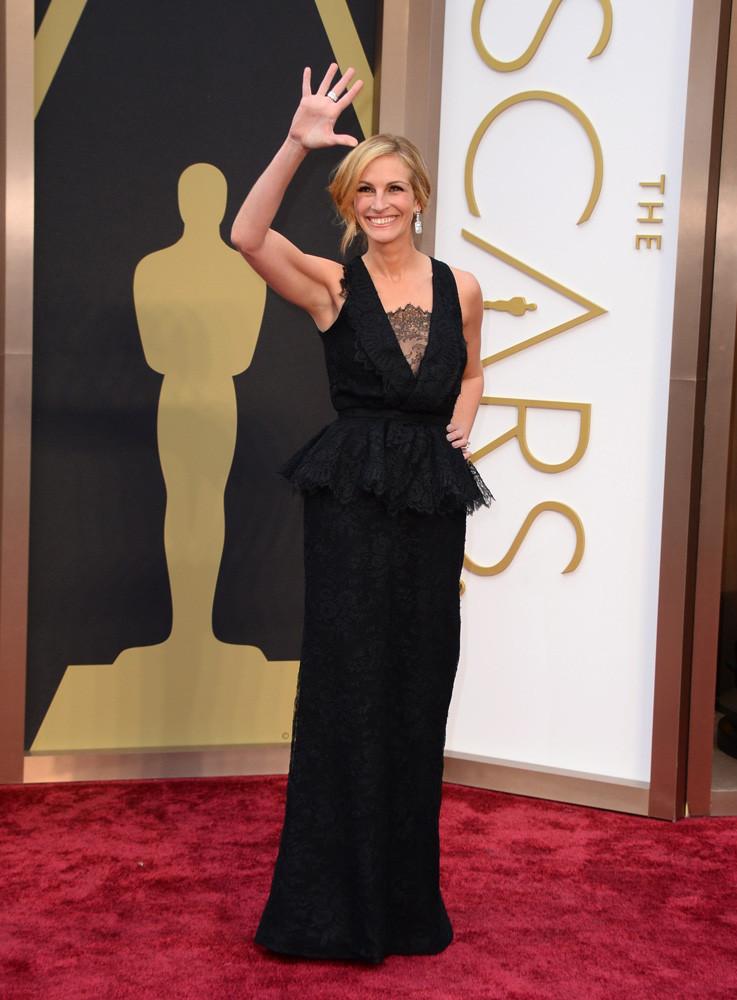 oscar-2014-julia roberts  Las mejores vestidas de los premios Oscars 2014 oscar 2014 julia roberts