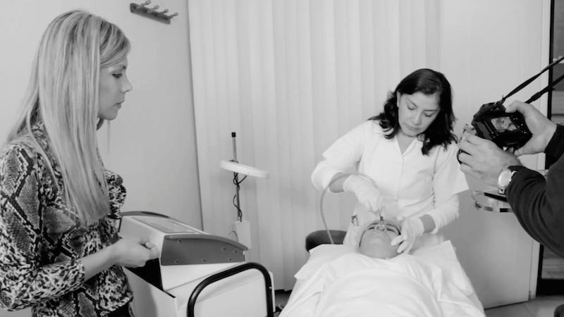 la medicina estetica tiene al peeling de diamante como uno de los mejores metodos para eliminar imperfecciones en la piel   MEDICINA ESTETICA : Peeling con punta de Diamantes tratamientos esteticos demorabrasion