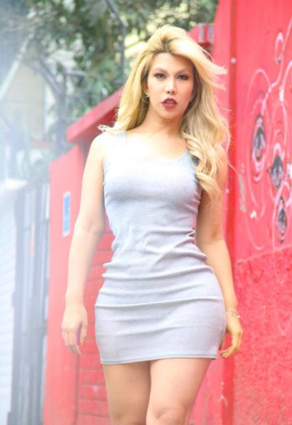 vestido plomo drees gray  fashion lookbook UN VESTIDO SIMPLE Y VERSATIL  para un verano.. belleza total y moda min